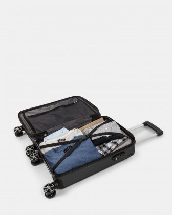 NEW YORK - Lightweight Hardside Carry-on with Integrated USB port - Black Bugatti