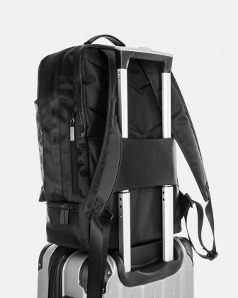 "Traveller - 15.6"" laptop Backpack with insulated zippered pocket - Black - Bugatti"