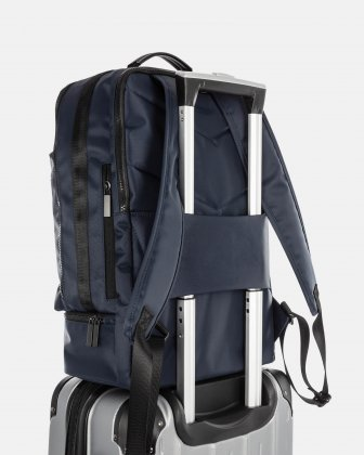 """Traveller - 15.6"""" laptop Backpack with insulated zippered pocket - navy - Bugatti"""
